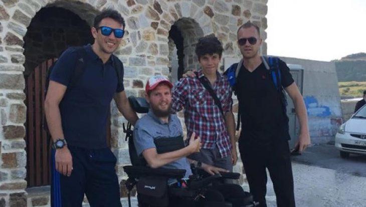 Άγιο Όρος: Ποδοσφαιριστής που έμεινε ανάπηρος , βαφτίστηκε Ορθόδοξος