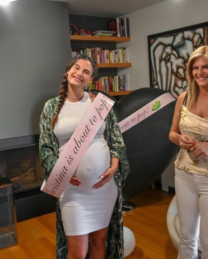 Χριστίνα Μπόμπα: Baby shower – Έκπληξη από τις φίλες της, λίγο πριν γίνει μητέρα για πρώτη φορά