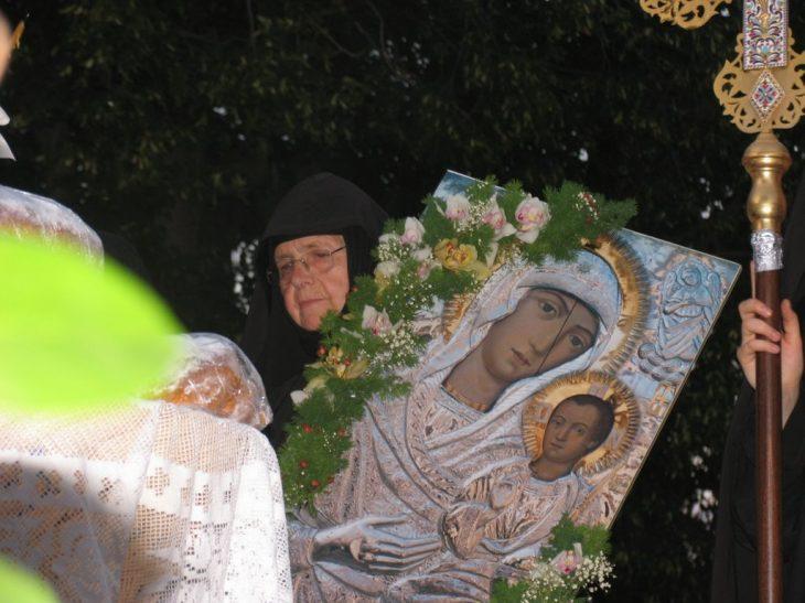 Παναγία Βαρνάκοβα: «Μην ξανακλάψεις έτσι, παιδί μου, επάνω στην εικόνα μου. μου ράγισες την καρδιά»