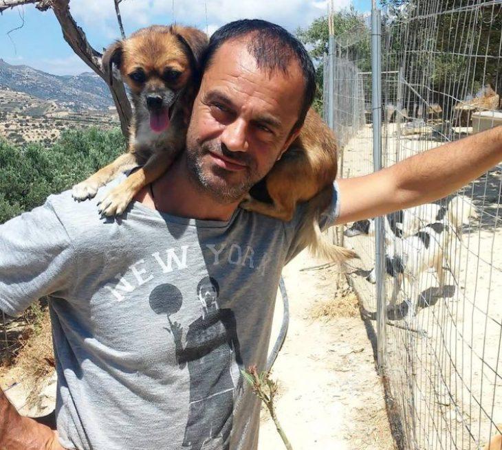 Τάκης Προεστάκης: Ξόδεψε πάνω 180.000 ευρώ για να σώσει τα αδέσποτα