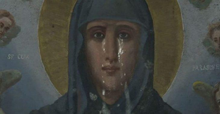 Αγία Παρασκευή: Η στιγμή που δακρύζει η εικόνα της