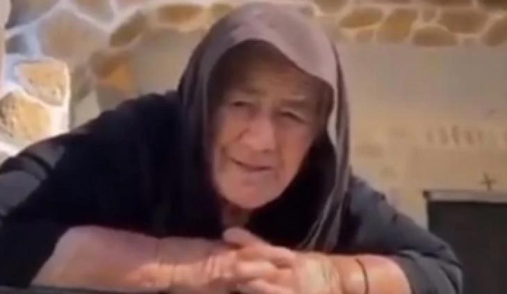 """82χρονη γιαγιά τα """"χώνει"""" στον Μητσοτάκη και γίνεται διάσημη στο Ελληνικό διαδίκτυο"""