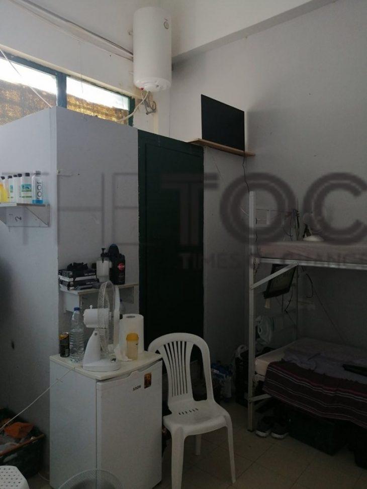 Γλυκά Νερά: Αυτό είναι το VIP κελί του συζυγοκτόνου στον Κορυδαλλό – «Σαν να είναι σπίτι του»