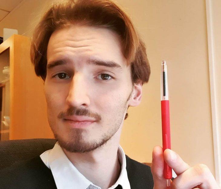 Βέλγος φιλέλληνας που μιλά άπταιστα ελληνικά σαρώνει το διαδίκτυο με το βίντεο του