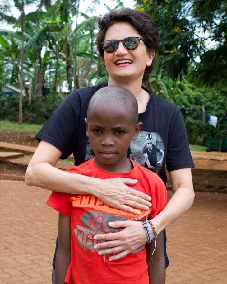 Άλκηστις Πρωτοψάλτη: Έγινε ανάδοχος παιδιού