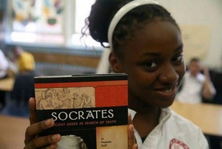 Πανωραία Παναγιωσούλη: Καθιέρωσε τα Ελληνικά, ως ξένη γλώσσα στο Χάρλεμ της Νέας Υόρκης
