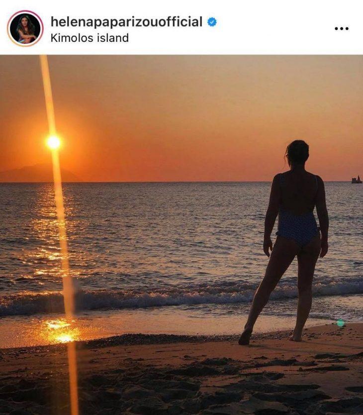 Έλενα Παπαρίζου: Η φωτογραφία της με μαγιό που έριξε το Instagram