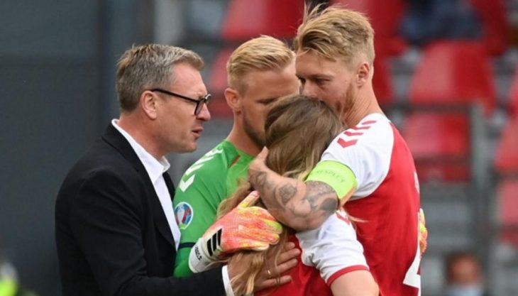 Σίμον Κίερ: Ο αρχηγός της Εθνικής Δανίας που έσωσε τη ζωή του Έρικσεν