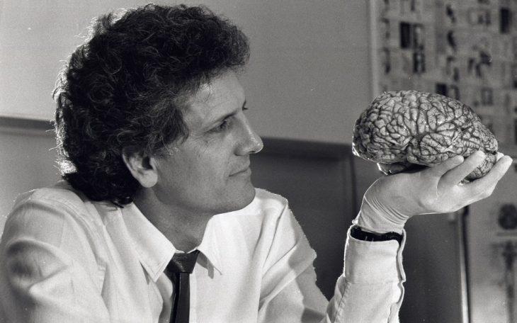 Γιώργος Παξινός: «Δεν υπάρχει ψυχή, όλα πηγάζουν από τον εγκέφαλο»