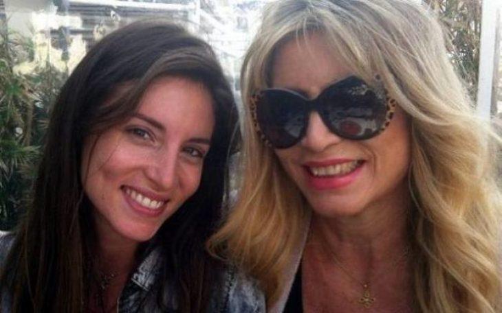 Σχέση Λατρείας: 12 σπάνιες φωτογραφίες διάσημων Ελληνίδων μαζί με τις αγαπημένες μαμάδες τους