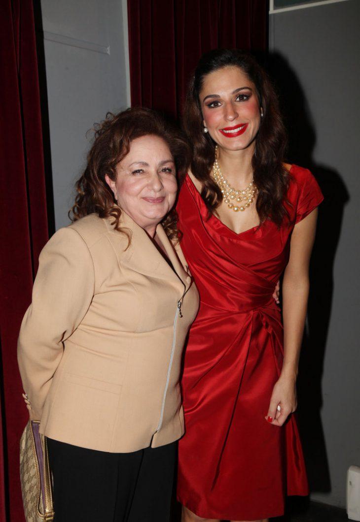 Μαμάδες διάσημων Ελληνίδων: 12 σπάνιες φωτογραφίες με τις κόρες τους