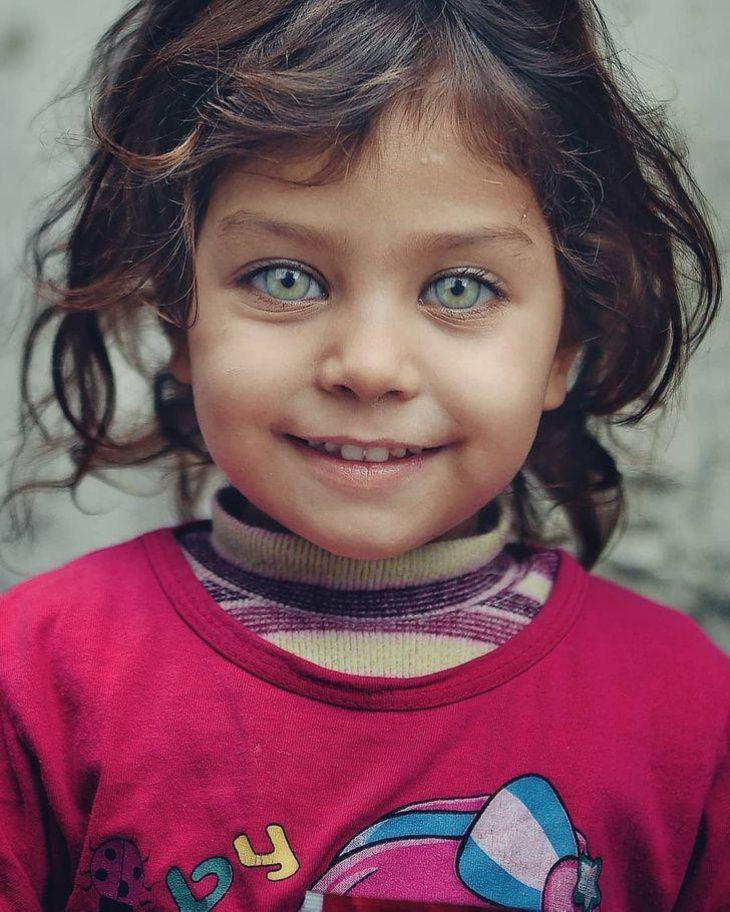 Φωτογράφος καταγράφει την ομορφιά των παιδικών ματιών που λάμπουν σαν πολύτιμοι λίθοι