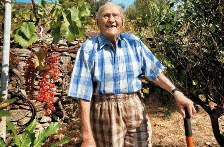 Αληθινή ιστορία: Οι γιατροί του έδιναν 9 μήνες και του πρότειναν χημειοθεραπείες όμως έζησε μέχρι τα 102