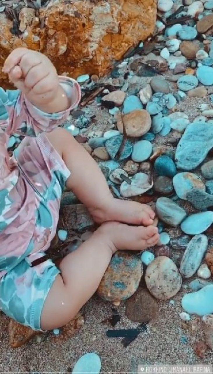 Διάσημες Ελληνίδες μάνες: Σε καλοκαιρινές στιγμές με τα παιδάκια τους
