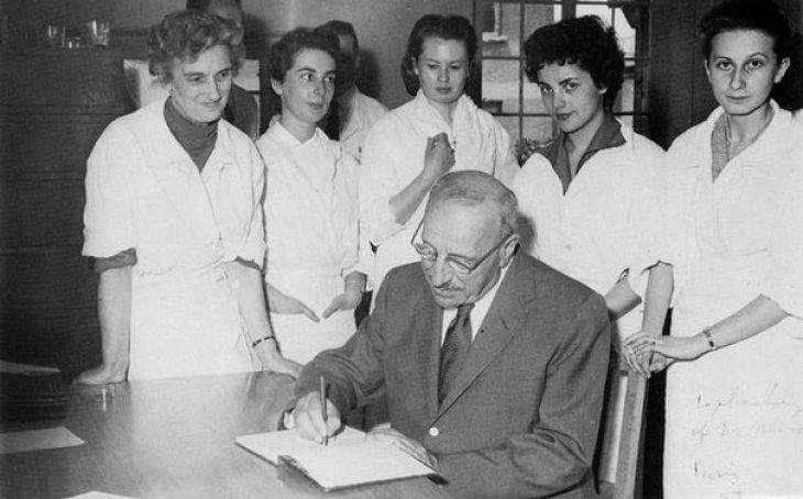 Γεώργιος Παπανικολάου: Όλες οι γυναίκες του οφείλουν ευγνωμοσύνη