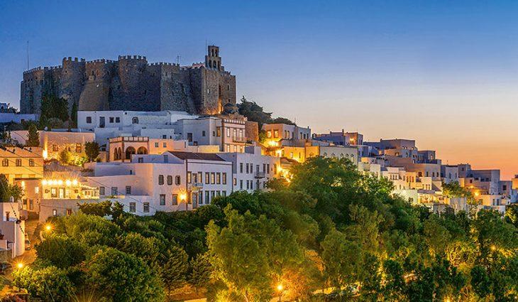 Πάτμος: Ιδιαίτερο φως, μυστηριακή ατμόσφαιρα και από τις ομορφότερες χώρες του Αιγαίου