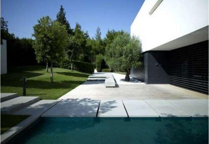 Σπίτια διάσημων Ελλήνων: Δείτε φωτογραφίες
