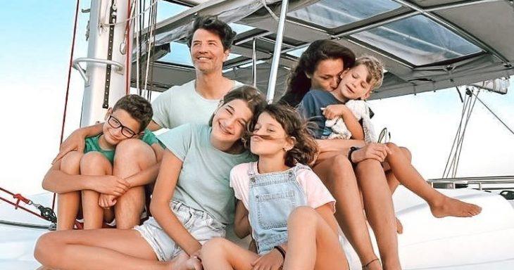Σάκης Ρουβάς: Η τρυφερή φωτογραφία με τα παιδιά τους στις διακοπές