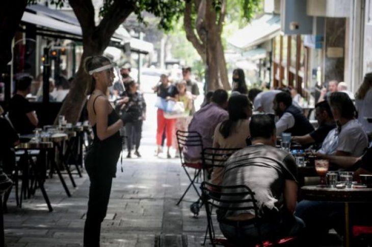 Ανεμβολίαστοι: Θα πληρώνουν κοντά στα 20 ευρώ για καφέ