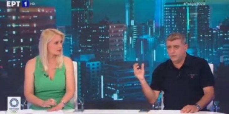 ΕΡΤ: Παρουσιάστρια τα ακούει live από το κοντρόλ