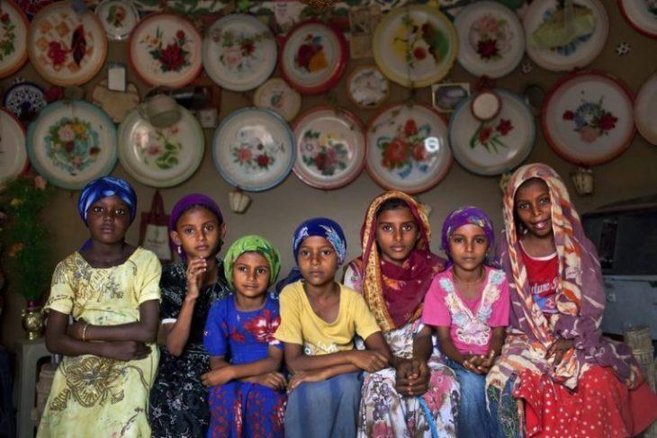 Σκληρή καθημερινότητα κοριτσιών: Παντρεύτηκαν πριν τα 15