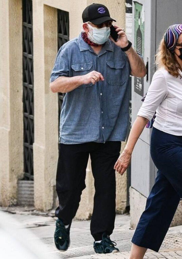 Πέτρος Φιλιππίδης: Η πρώτη δημόσια εμφάνιση μετά τις καταγγελίες με καμουφλαρισμένο πρόσωπο