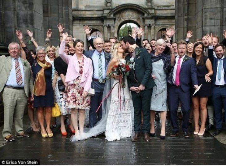 Πανέμορφη νύφη ξόδεψε μόνο 68 ευρώ για το νυφικό της 1.140 ευρώ για ολόκληρο τον γάμο των ονείρων της