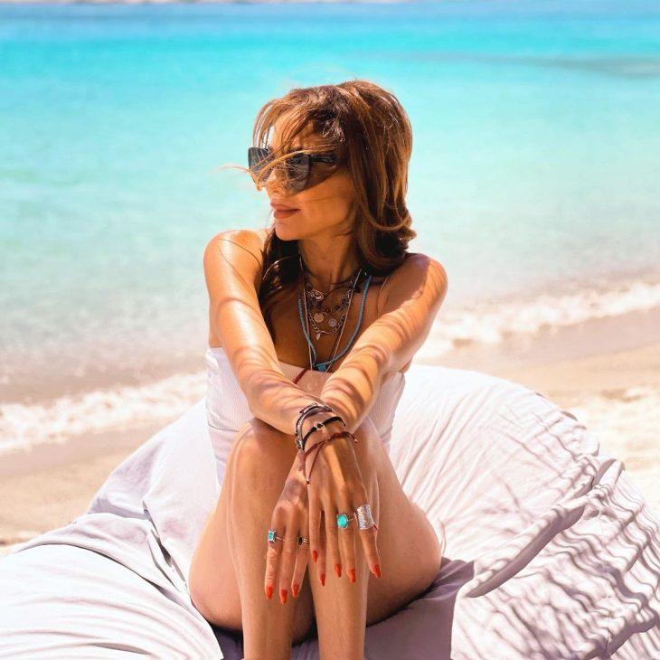 Διάσημες Ελληνίδες με μαγιό: 16 γυναίκες που ξεχώρισαν στην παραλία