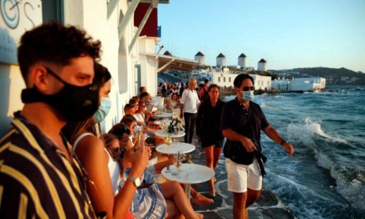 Μύκονος: Ανακοινώθηκε μπόνους 150 ευρώ στους εργαζόμενους που εμβολιάζονται και υποχρεωτική χρήση μάσκας