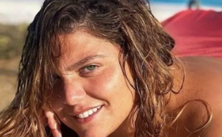 Δανάη Μπάρκα: Ποζάρει με το μαγιό της μπρούμυτα για πρώτη φορά και στέλνει το πιο σωστό μήνυμα στους κομπλεξικούς