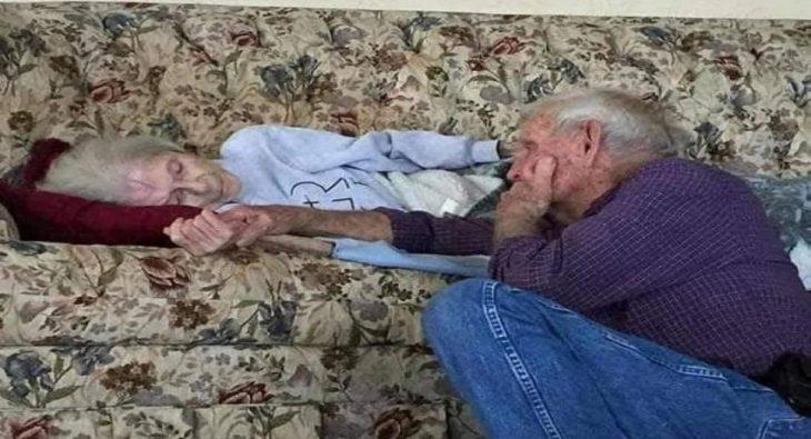 """Αληθινή ιστορία: """"Μην καλέσεις τον γιατρό, θέλω να κοιμηθώ ήρεμα. Με το χέρι σου στο δικό μου."""""""