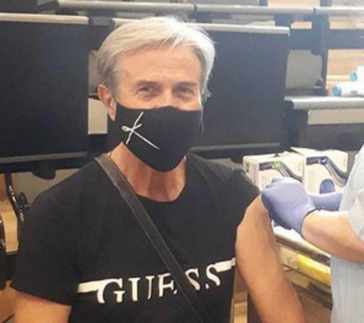 Τάκης Χρυσικάκος: Γι' αυτό νοσηλεύτηκε με κορονοϊό παρότι ήταν πλήρως εμβολιασμένος