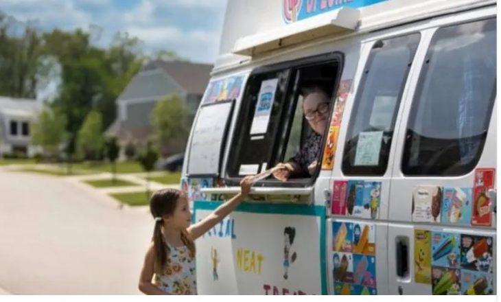 Πατέρας της χρονιάς: Έχει πουλήσει πάνω από 5.000 παγωτά