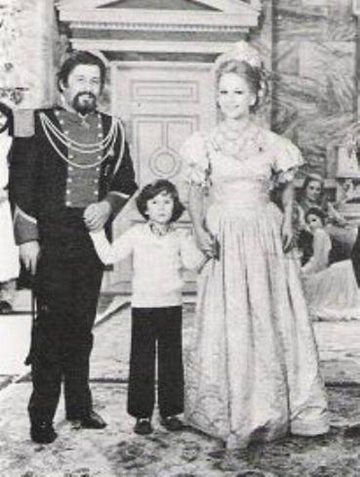 Σπάνιο αφιέρωμα: Φωτογραφίες Ελλήνων ηθοποιών μαζί με τα παιδιά τους