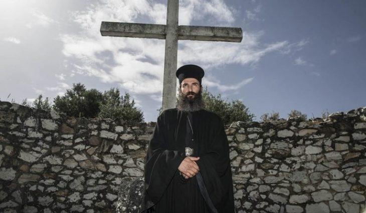 Άρης Σερβετάλης: «Δεν ξέρω τι είναι Θεός. Ξέρω μονάχα πως όλοι γι' αυτόν δουλεύουμε»