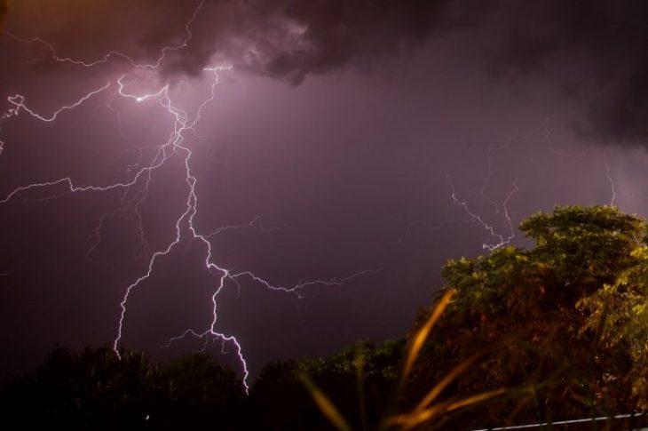 Έκτακτο δελτίο αλλαγής καιρού: Καύσωνας τέλος - Έρχονται βροχές και καταιγίδες