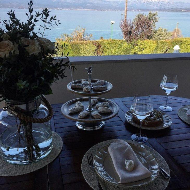Τατιάνα Στεφανίδου: Οι χλιδάτες διακοπές στη Ζάκυνθο και το εξοχικό με τη μαγική θέα στην Χαλκίδα