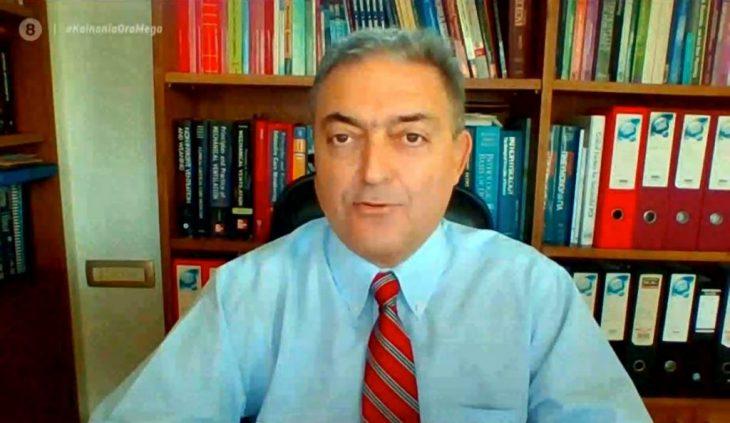 Θεόδωρος Βασιλακόπουλος: «Μάσκα και μέσα στο σπίτι μας»