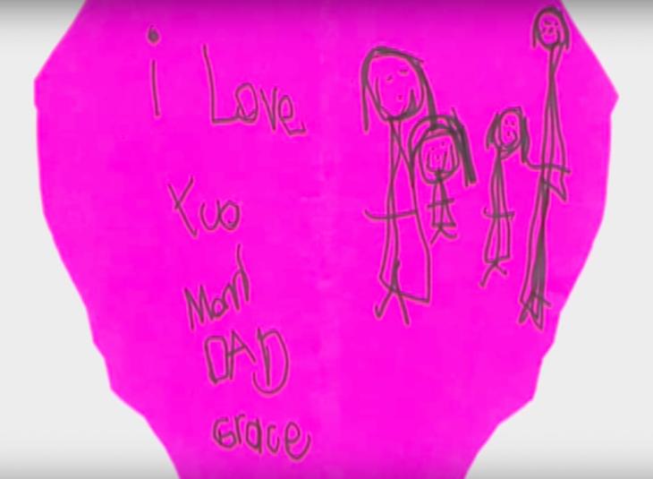 Αληθινή Ιστορία: Εξάχρονη πέθανε από καρκίνο και άφησε κρυφά μηνύματα για να τα βρουν οι γονείς της