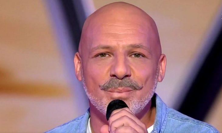 Η εμφάνιση του Μουτσινά στο The Voice, η αντίδραση των κριτών και το συμβολικό τραγούδι του