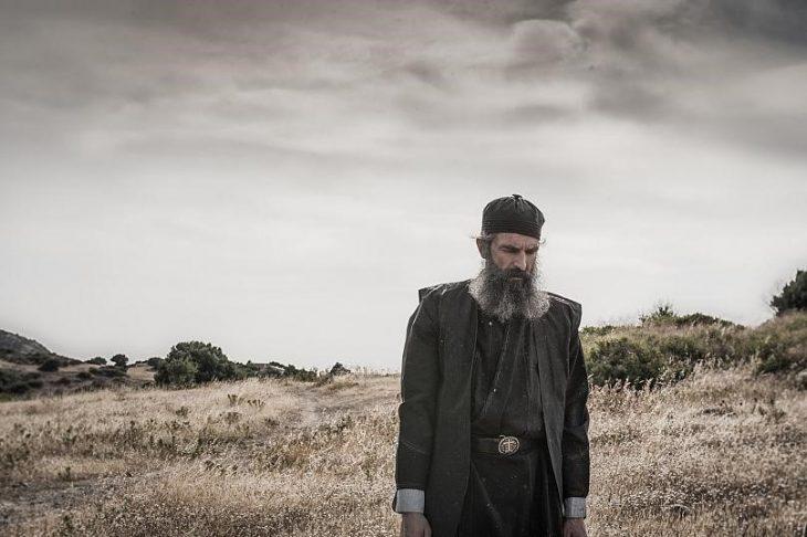 Άρης Σερβετάλης: Από τη σκηνή του κόσμου στην σκηνή του Θεού