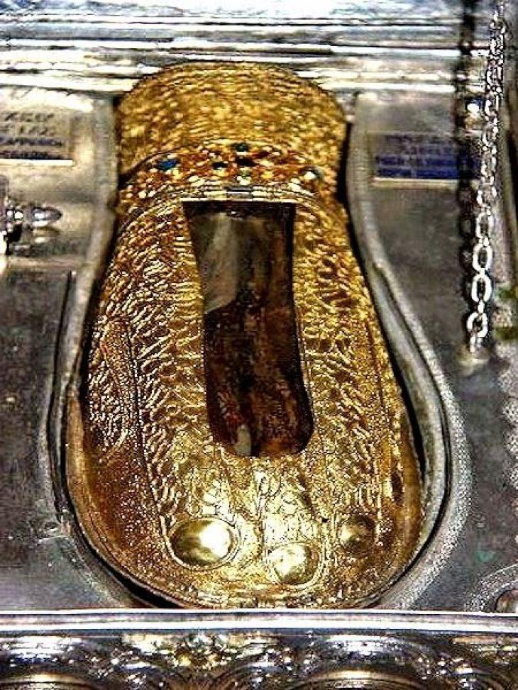 Το άφθαρτο χέρι της Αγίας Μαρίας της Μαγδαληνής – Όσα συμβαίνουν σε όσους το ασπάζονται