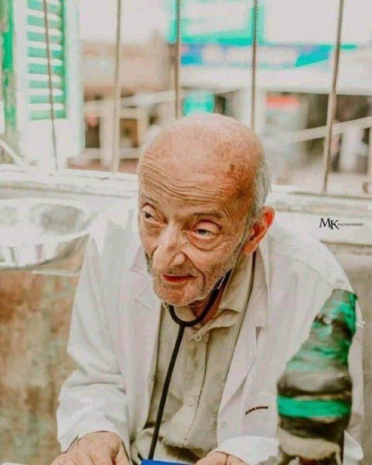 Γιατρός των φτωχών: Δεν πήρε ούτε σεντ από φτωχό ασθενή