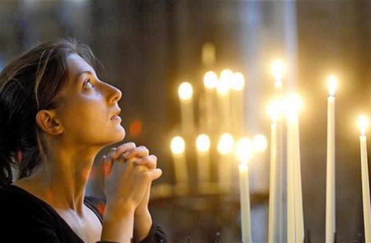 Προσευχή: Λύνει τα προβλήματα και βοηθά στις δυσκολίες
