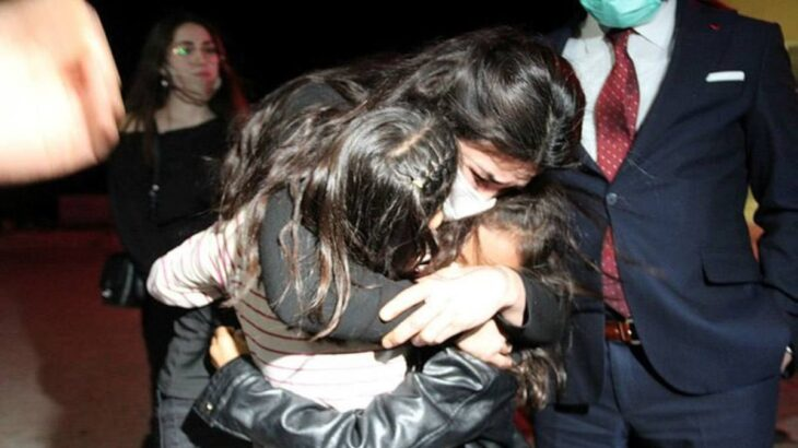 Αφέθηκε ελεύθερη γυναίκα που σκότωσε τον βασανιστή σύζυγό της: Σπάνια απόφαση στην Τουρκία