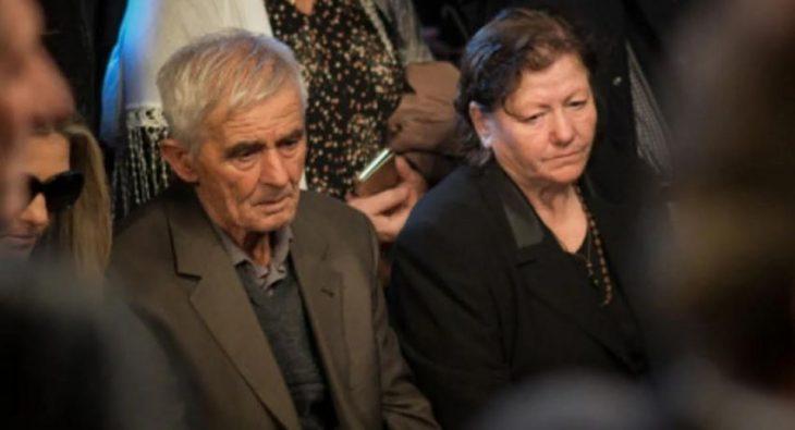 «Αυτοκτόνησαν το παιδί μου γιατί δεν μπορούν να απαντήσουν γιατί τον σκότωσαν» – Ξεσπά η μάνα του Κατσίφα