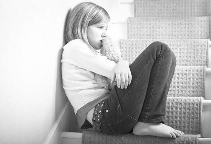 Εξομολόγηση παιδιού: «Με έκανες να βλέπω τον πατέρα μου σαν εχθρό. ΕΣΥ, μαμά, τον μισούσες. ΕΓΩ τι έφταιγα;»