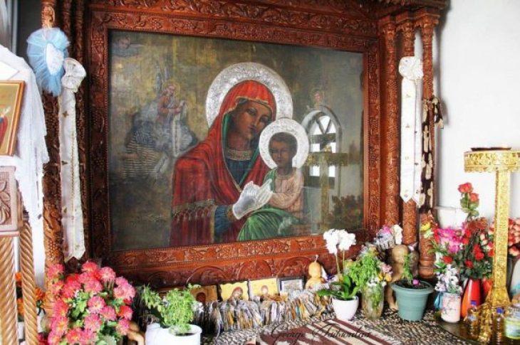 Ζευγάρι Τούρκων ήρθε να ευχαριστήσει την Παναγία Τσαμπίκα που τους έδωσε παιδί